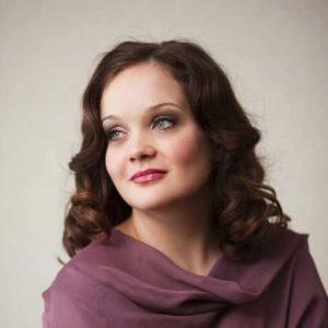Evita Martinsone /operdziedātāja/