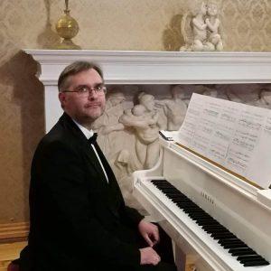 Georgijs Kadoļčiks /klavieres/