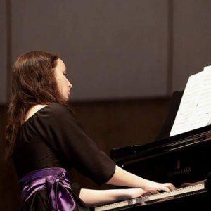 Maira Leikarte /klavieres/